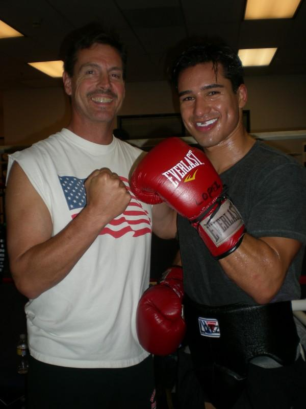 Mario Lopez Hangs Out With Donald Trump: 7 Reactions That ...